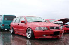 … is pretty damn cool. Volvo V40 estate, dropped on Ferrari wheels (matching PCD, PCD fans ...