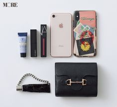 What In My Bag, What's In Your Bag, Inside My Bag, Purse Essentials, Minimalist Bag, You Bag, Daily More, Purses, Wallet