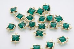 10% OFF For 10 Pieces Emerald Glass Connector, Square Glass, Polished Gold Plated Over Brass - 10 pieces / SGLP0003G/EMERALD/PG