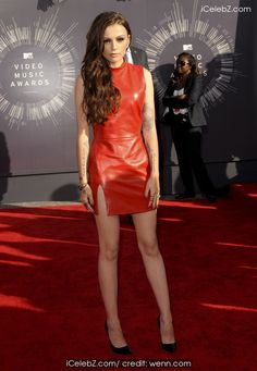 Cher Lloyd The 2014 MTV Video Music Awards at The Forum http://icelebz.com/events/the_2014_mtv_video_music_awards_at_the_forum/photo12.html