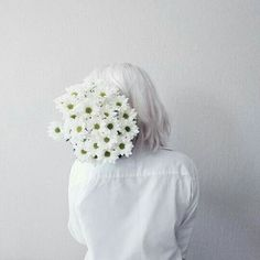 ~White, the colour of the snow, the colour of the stars, the colour of my dreams~