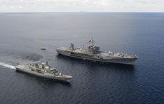 SOUTH CHINA SEA (May 9, 2012) U.S. 7th Fleet flagship USS Blue Ridge (LCC 19) and Royal Australian Navy frigate HMAS Ballarat (FF 155) transit alongside each other in the South China Sea. (U.S. Navy photo by Mass Communication Specialist 3rd Class Mel Orr)