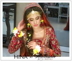 gorgeous farah getting dolled up for her mehndi by makeup genius hina Loved her flower accessories