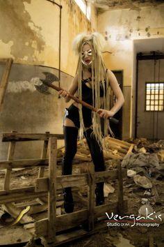 Woman Fighter – FotoHug