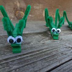 Fun Toddler Craft: Clothespin Grasshoppers