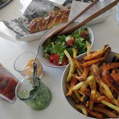 Tupun tupa: Bataattiranskalaiset hernetahnalla ja tomaattisals...