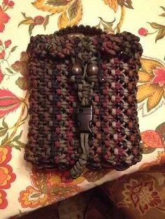 Custom Paracord pouch a great source of cord and to carry stuff ...