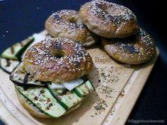 Oggi vi cucino così!: Bagel con Melanzane , Zucchine e Provolone piccante- Re-Cake #11
