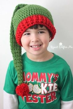 FREE crochet pattern for an Elf Hat by Repeat Crafter Me. The hat pattern is available in all sizes. Crochet Santa Hat, Crochet Stocking, Crochet Christmas Hats, Crochet Kids Hats, Holiday Crochet, Crochet Gloves, Crochet Baby, Free Crochet, Christmas Beanie