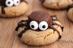 Cute and creepy, these Halloween Peanut Butter Spider Cookies are sure to be a hit at your next Halloween party! Easy to make with chocolate peanut butter cups and cookie dough.