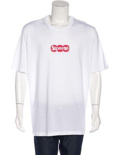 Louis Vuitton x Supreme From the Spring/Summer 2017 Collaboration. Men's white and red Louis Vuitton x Supreme Box Logo T-shirt with crew neck, logo graphic at chest and short sleeves. Designer size 4L. Item - Lousu20004