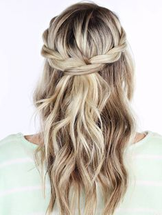 Love this braided hairdo.