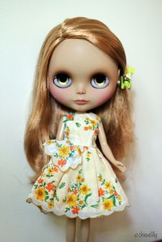 Lol saw this on diy for the dress but automatically thought in my head wow this doll has creepy eyes