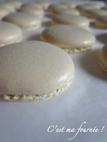 This is my batch: Macaroons: Recipe shells Macaron Thermomix, Thermomix Desserts, Macaron Recipe, No Cook Desserts, Just Desserts, Macarons, Macaron Cookies, Macaron Caramel, Bread Cake