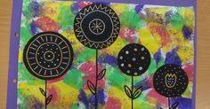 Hola!  Aquí us deixo les tapes d'àlbum que hem fet amb els nens i nenes de P4.  Vam estampar amb esponges i pintura de colors un full en bla...