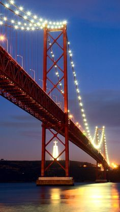 Lisboa - Ponte 25 de Abril e Cristo Rei