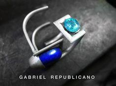 Soluções de engenharia em miniatura são necessária para finilazar as peças da coleção Ando, de Gabriel Republicano. Inspirada na obra do Poeta Arquiteto Tadao Ando.