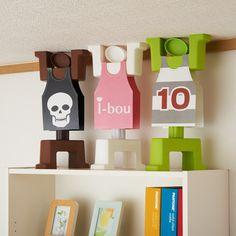 i-bou diseñado para mantener en pie armarios incluso durante terremotos de gran intensidad.