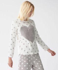 Heart sweatshirt, null€ - Heart sweatshirt - Autumn Winter 2017 trends in women fashion at Oysho. Night Suit, Dress With Cardigan, Cotton Pyjamas, Pajamas Women, Nightwear, Lounge Wear, Casual, How To Wear, Outfits