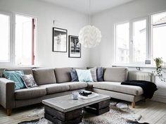 Blog sobre estilo escandinavo. Podrás encontrar ideas sobre el estilo escandinavo y nórdico, todas las tendencias en decoracón, interiorismo, diseño gráfico, diseño industrial, fotografía Decoration, Couch, Living Room, Cool Stuff, Furniture, Houses, Home Decor, Ideas, Design