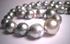 Vintage Tahitian Silver Pearl Necklace Estate 14mm Wedding.   Gorgeous genuineTahitian pearls.  Pearl jewelry, vintage jewelry, antique jewelry, retro art deco, pearl strand, fine jewelry, eco friendly, wedding jewelry, bridal jewelry.  Stunning classic offered by aawsomblei antique jewelry.