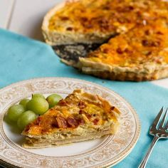 Caramelized Onion & Bacon Quiche: I doubled the filling ingredients (except only cream), added 2 cups chopped spinach, and subbed Jarlsberg for the Gruyere. Quiche Recipes, Brunch Recipes, Breakfast Recipes, Breakfast Quiche, Breakfast Dishes, Breakfast Ideas, Empanadas, Bacon Quiche, Frittata