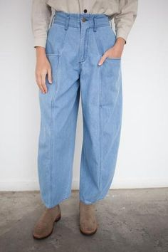 69 Bell Pant in Medium Light Wash Fast Fashion, Denim Fashion, Fashion Pants, Fashion Outfits, Chill Outfits, Outfits For Teens, Denim Outfit, Pants Outfit, Slouchy Pants