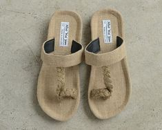 This is made of pure natural green hemp shoesIt features: antibacterial, hygroscopicity strong, contain a variety of trace elements, can improve the smelly feet, athlete's foot!Shoes made of abutilon, not rough, wearing also comfortable.Note: the shoes can be washed, but do not soak,Accurate method is washed, dry it upside down,You can customize the bigger size!!!The size table:.US Men 2.5/ Women 4.5/EU34/21.5CM(inner length)US Men 3/ Women 5/EU35/22CM(inner length)US Men3.5/ Women 5.5/EU36/22.5 Summer Slippers, Mens Slippers, Childrens Shoes, Buy Shoes, Black Shoes, Etsy, Athlete's Foot, Shoe Refashion, Huaraches