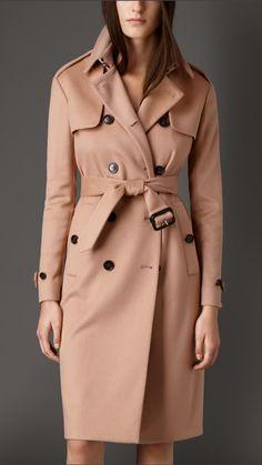 7930dd62c37a1 Trench-coat long en double cachemire   Burberry Vêtements Femmes, Manteau  Femme, Veste