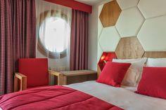 Hôtel-Spa Royal Ours Blanc**** by Maranatha Hotels - Alpe d'Huez. Decoration by Sandrine Alouf. Photo © imagera.fr
