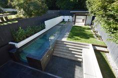 Gibbon Street House, New Farm Australia by Shaun Lockyer Architects.透けてるところが素敵。