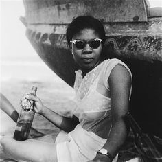 Summer vibes. Accra, Ghana ©James Barnor, 1950s