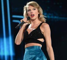 Mit diesem Übergriff eines Fans hätte Sängerin Taylor Swift bei ihrem Konzert nicht gerechnet.