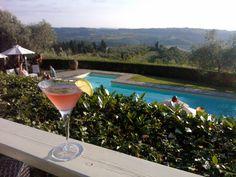 #pool #poolservice #drink #drinking #tuscany #toscana #relax #italy #italia #aperitivo #aperitif #enjoy