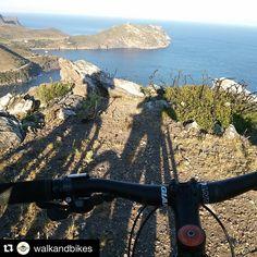 Teniu ganes de pedalar? Els amics de @walkandbikes tenen unes propostes fantàstiques! #aRoses #VisitRoses ・・・ Campus trail&bikes #bike #mtb #btt # mountainbike #CapdeCreus #aRoses #Altemporda #incostabravapirineu #paradiscatala
