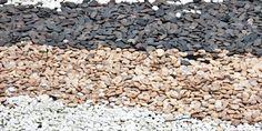 庭に敷く砂利の種類まとめ!価格相場と効果、敷き方や注意点は?