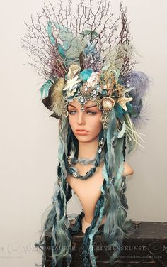 Costume headpiece under water Siren Costume, Costume Makeup, Cosplay Costumes, Sea Witch Costume, Diy Costumes, Diy Mermaid Costume, Little Mermaid Costumes, Mermaid Cosplay, Costumes For Women