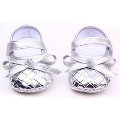 Baby Shoes 3 Colors Rhombus Lattice Pattern Soft Bottom Baby Girl Shoes PU First Walkers 11 cm 13 cm Soft Baby Shoes, Baby Girl Shoes, Baby Bows, Girls Shoes, Baby Girls, Walker Shoes, Princess Shoes, First Walkers, Black White Gold