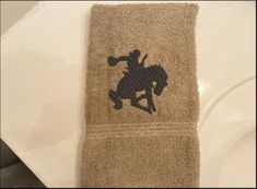 Special gift for the country living decor, embroidered design. Borgmanns Creations Rodeo Decorations, Country Living Decor, Hand Towels Bathroom, Rustic Home Interiors, Embroidered Towels, Gifts For Horse Lovers, Farmhouse Kitchen Decor, Love Gifts, Special Gifts