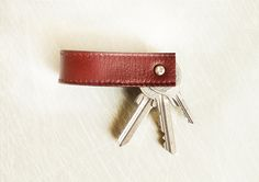 Leather key chain made out of an old belt - with tutorial in English and German