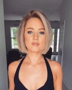 Blonde Bob Hairstyles, Bob Hairstyles For Fine Hair, Layered Bob Hairstyles, Short Bob Haircuts, Hairstyle Short, School Hairstyles, Office Hairstyles, Anime Hairstyles, Easy Hairstyles