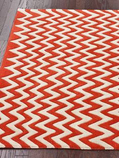 nuLOOM Henry Chevron Hand-Tufted Rug - Gilt Home