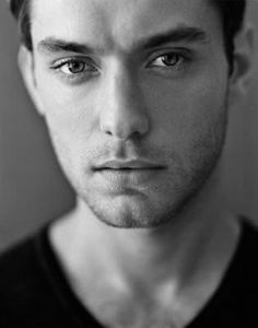 jude law. oh my.....god..