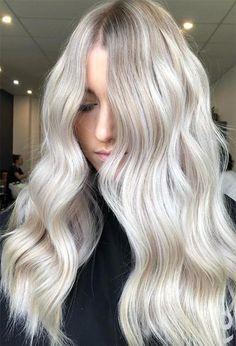 59 Icy Platinum Blonde Hair Ideas: Platinum Hair Color Shades to Inspire Blonde Hair Colour Shades, Platinum Blonde Hair Color, Silver Blonde, Hair Color Highlights, Silver Hair, Summer Blonde Hair, Ice Blonde Hair, Bleach Blonde Hair, Icy Blonde