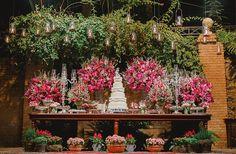 Mesa de doces casamento na fazenda - decoração pink  ( Foto: Thiago Bertulino )