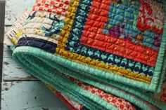 Blue Elephant Stitches: Quarter Log Cabin Quilt