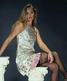 Slit Skirt, Night Gown, Nylons, Dress Up, Beautiful Women, Slip On, Satin, Lady, Pretty