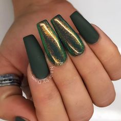 "If you're unfamiliar with nail trends and you hear the words ""coffin nails,"" what comes to mind? It's not nails with coffins drawn on them. It's long nails with a square tip, and the look has. Dark Green Nails, Green Nail Art, Dark Nails, Gold Nails, Acrylic Nails Green, Matte Nails, Shiny Nails, Autumn Nails Acrylic, Dark Color Nails"
