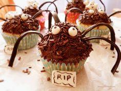 Cupcakes con forma de araña para Halloween