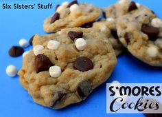 S'mores Cookies- all the deliciousness of a s'more mixed together in a cookie! SixSistersStuff.com #cookie #dessert